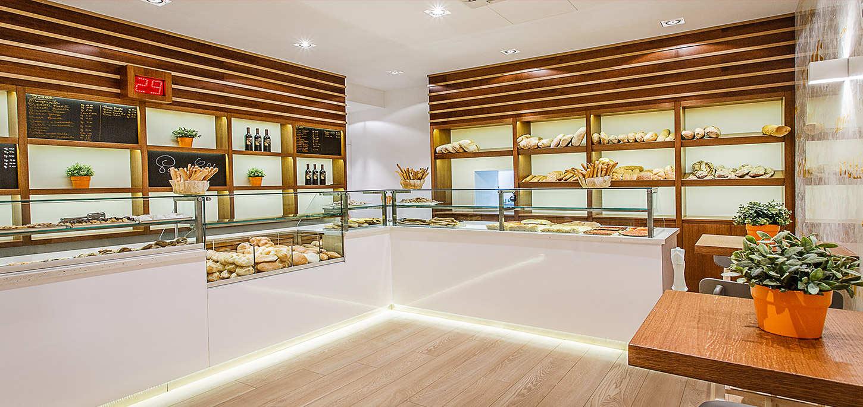 Arredamento bar arredo negozi shopgroup for Arredamento bar roma