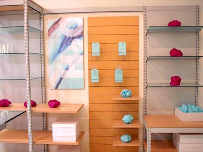 Accessori su arredo per casalinghi for Accessori arredamento negozi