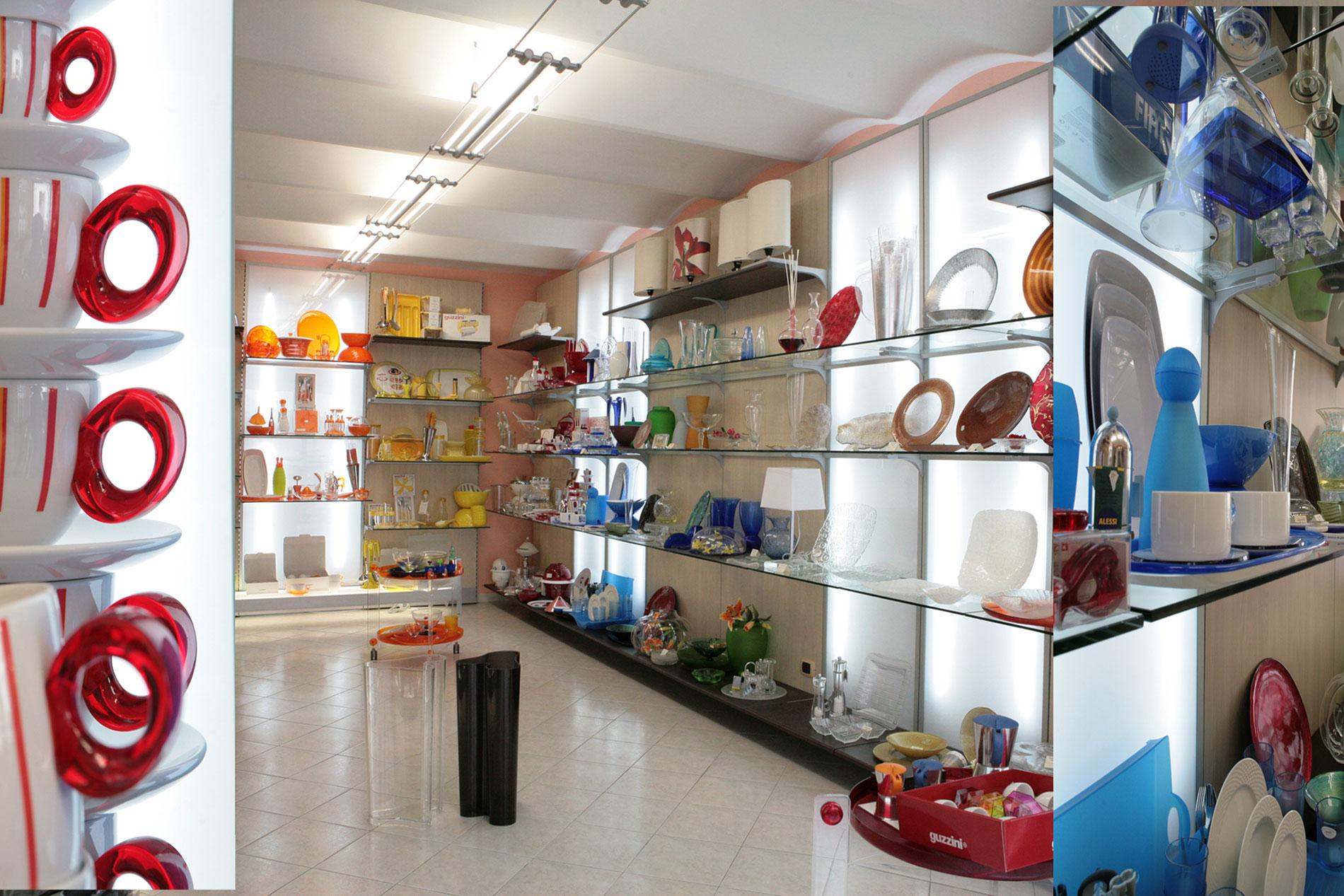 Arredamento negozio casalinghi e articoli regalo marta viterbo for Arredamento in regalo roma