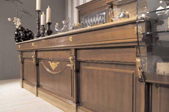 Arredamento bar classico legno roma for Usato bancone bar