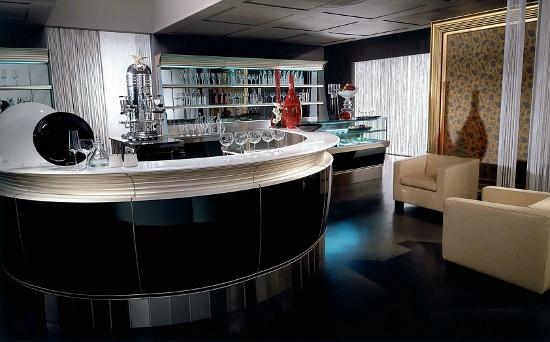 Arredamento Bar Su Misura.Arredamento Per Bar Su Misura