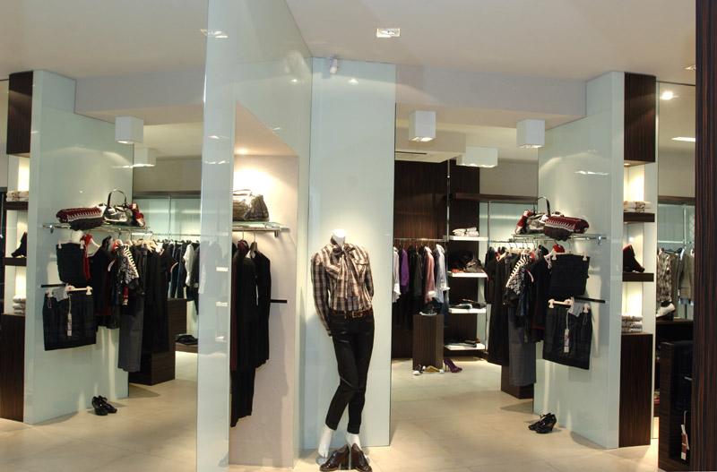 Arredamento negozio Abbigliamento Viterbo