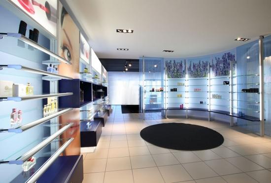 Arredamento negozi profumeria Viterbo